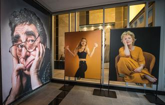 Quebecor is pleased to show the work of distinguished Montreal photographer and portraitist Pierre Dury at Espace musée, its head office art gallery.